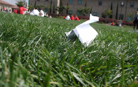 Science and Engineering Club sponsors paper plane contest
