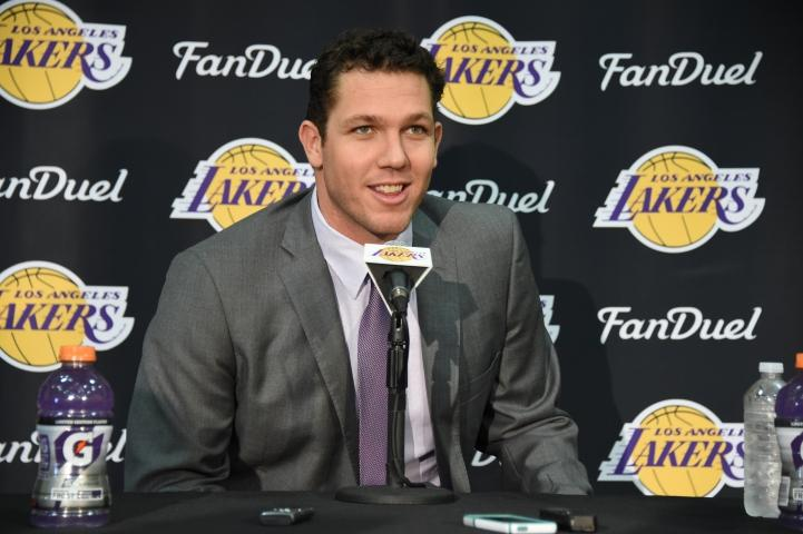 Luke+Walton+answers+a+slew+of+questions+from+reporters+after+the+Lakers+announced+his+hiring.