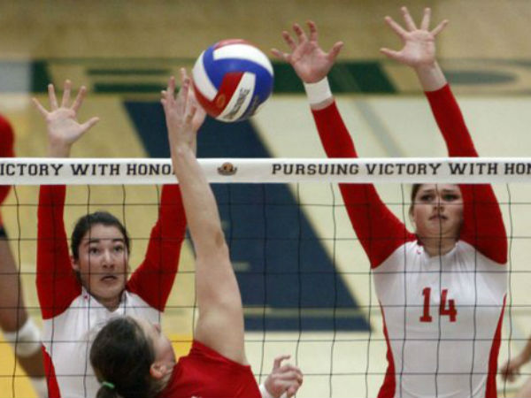 Varsity girls volleyball ends season, prepares for CIF