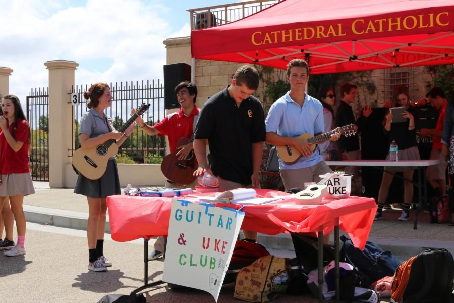 Guitar and ukulele club. Photo by: Dylan Janikowski