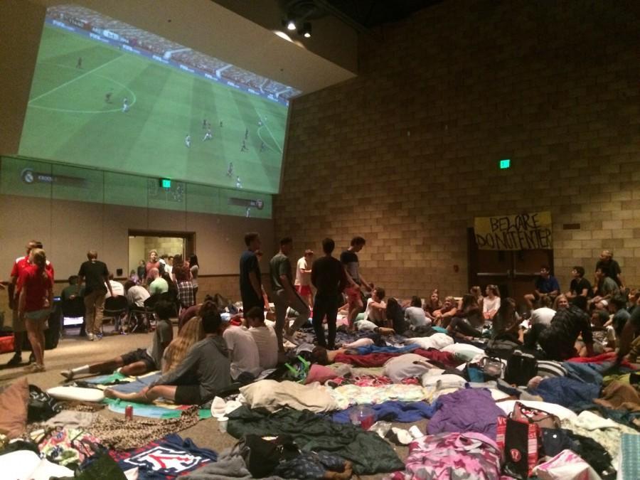 Seniors play FIFA at overnighter.