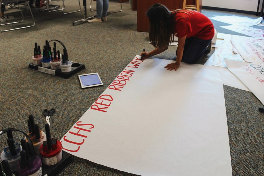 As+part+of+CCHS+ASB%2C+the+class+creates+colorful+posters+to+notify+students+of+the+upcoming+Red+Ribbon+week%2C+a+campaign+beginning+October+23+promoting+a+drug-free+America.