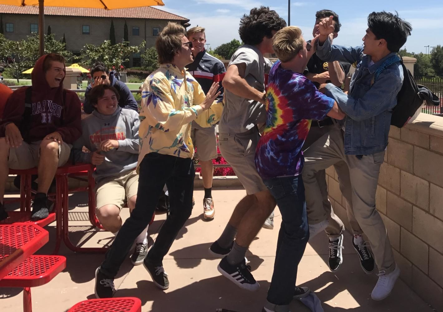 The pre prom festivities took place during lunch as students ran to finish the song lyric. ASB plans on hosting more of these fun competitions.