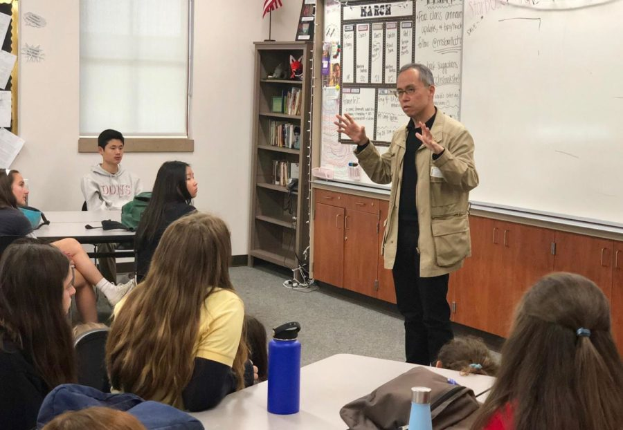 Deputy editor of Bloomberg Business Mr. Howard Chua-Eoan speaks to approximately 60 National English Honor Society members and El Cid journalists, vocalizing his history in journalism writing and editing for Time magazine and eventually Bloomberg Business.