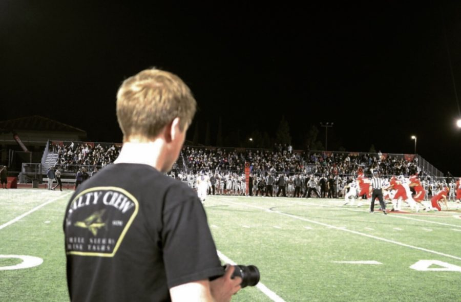 Matthew+Kirven+%E2%80%9820+shoots+clips+at+the+first+CIF+game+of+the+2018-2019+school+year+for+the+Cathedral+Catholic+High+School+varsity+football+team.+