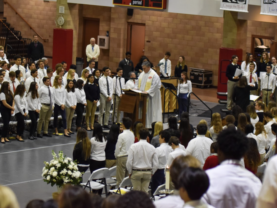 The+bilingual+mass+that+was+celebrated+during+Catholic+Schools+Week+sheds+light+on+one+of+the+many+different+types+of+cultures+present+at+CCHS.